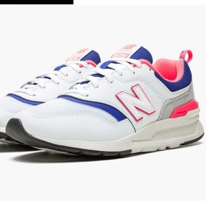 New Balance 997 Size 9.5 Mens running sneakers